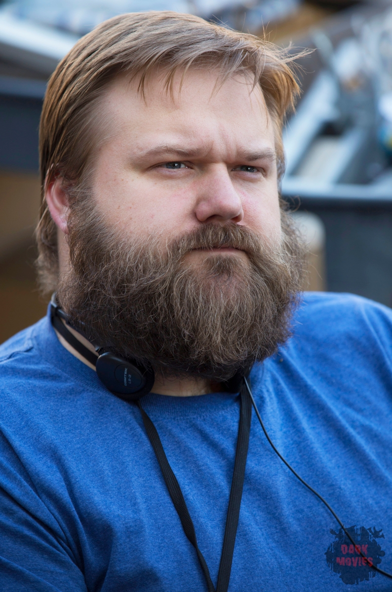 Executive Producer Robert Kirkman - Fear the Walking Dead _ Season 1, Episode 1 _ BTS - Photo Credit: Justin Lubin/AMC