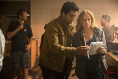 Cliff Curtis as Travis and Kim Dickens as Madison - Fear The Walking Dead _ Season 1, Episode 6 - Photo Credit: Justina Mintz/AMC
