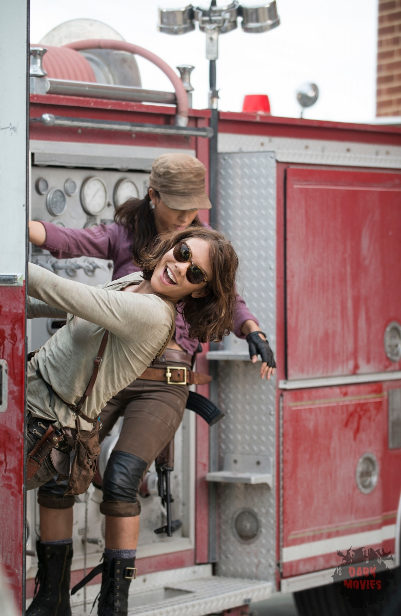 Lauren Cohan as Maggie Greene and Christian Serratos as Rosita Espinosa - The Walking Dead _ Season 5, Episode 5 _ BTS - Photo Credit: Gene Page/AMC