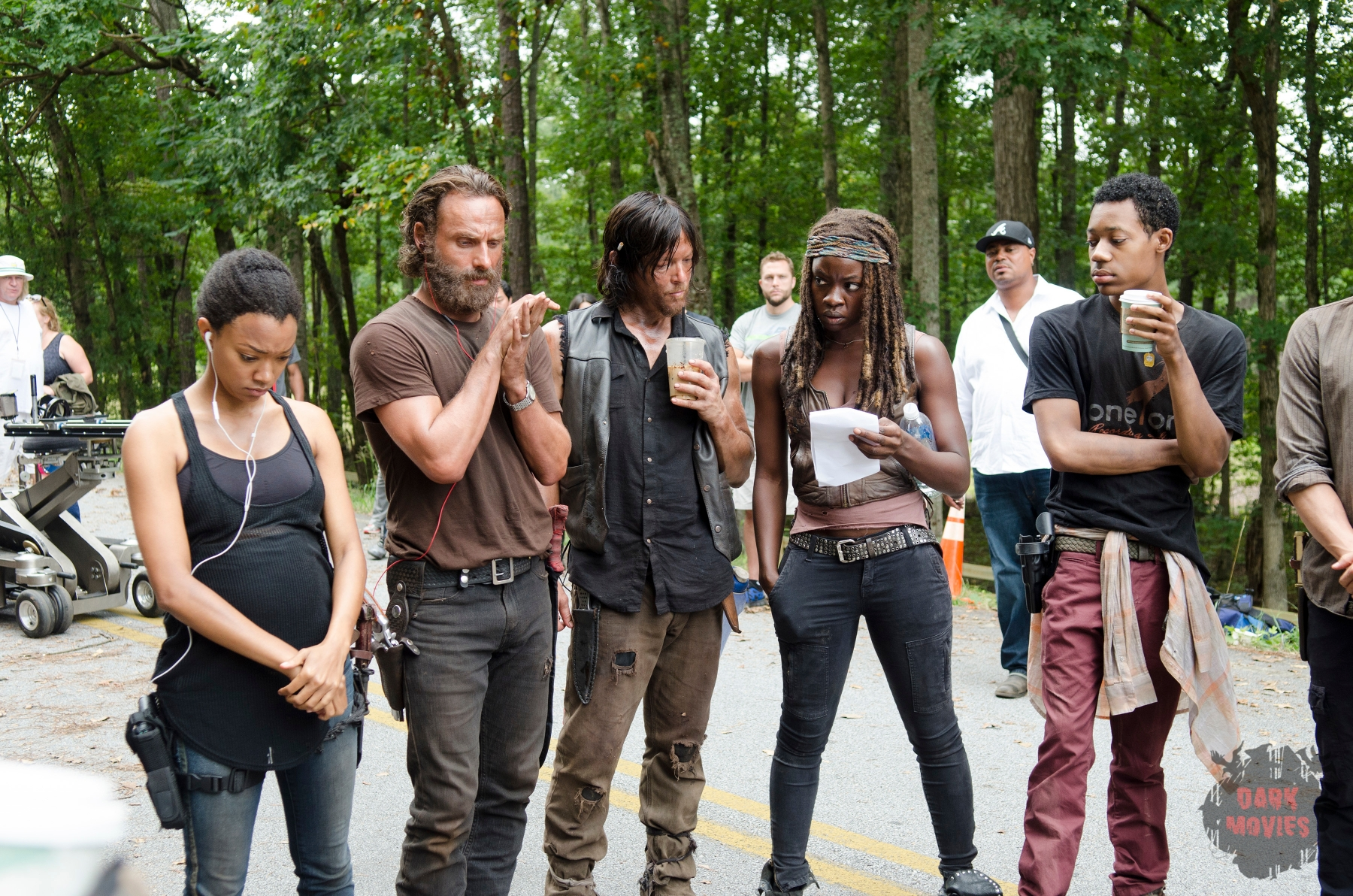 Sonequa Martin-Green, Andrew Lincoln, Norman Reedus, Danai Gurira and Tyler James Williams - The Walking Dead _ Season 5, Episode 10 _ BTS - Photo Credit: Gene Page/AMC
